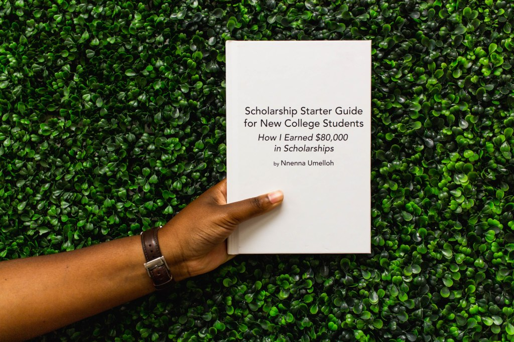 the hardcover scholarship starter guide for new college students teaches students exactly how to earn financial aid in scholarships to go to college
